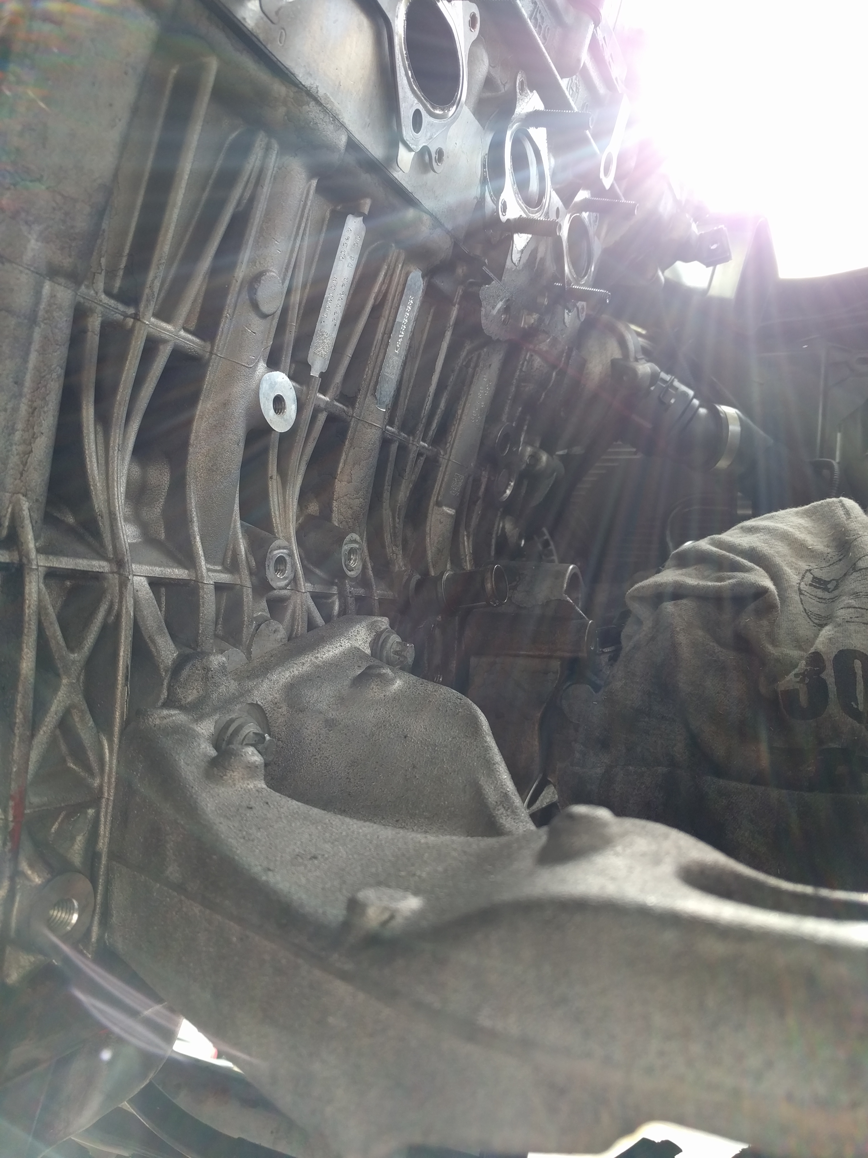 bmw 35D motor mount top - bolts
